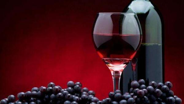 的经营理念. 致力打造成中国酒类运营商的知名大品牌. 旭日东升的葡萄酒市场. 、建店支持. 总部协助加盟商挑选店铺以及进行分析和评估.