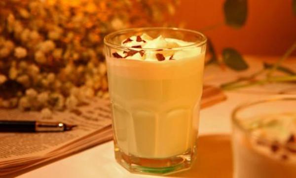 新鲜果蔬与香浓牛奶. 打造一个美味、健康、时尚的茶饮品牌. 、九大产品系列. 极大满足不同人群挑剔的口感需求. 独特的味道.